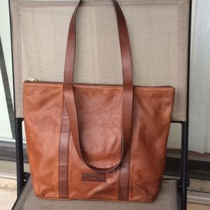 Fossil large tote bag with zip closure